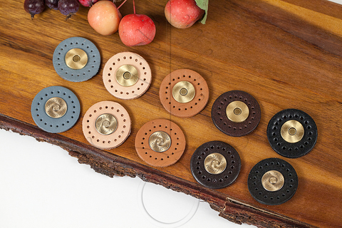Кожаные кнопки, 5 цветов