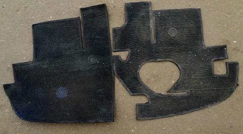 Коврик УАЗ 452 3303 резиновый (комплект с 2-х частей)