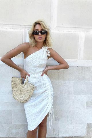 Платье на завязках из муслина белого цвета