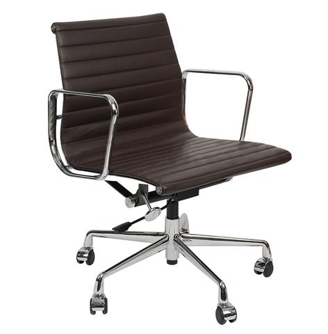 Кресло Eames Style Ribbed Office Chair EA 117 кофейная кожа