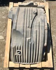 Подкрылок передний правый МАН ТГМ для грузовых автомобилей, б/у.  Оригинальные номера - 81612300254