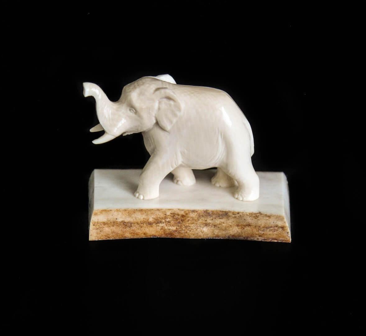 фигурка слона из бивня мамонта