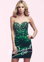 Mac Duggal 48034 Коктейльное платье украшенное страхами, короткое