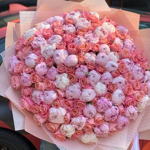 VIP Букет из пионов и роз