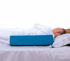 Клиновидная подушка для сна