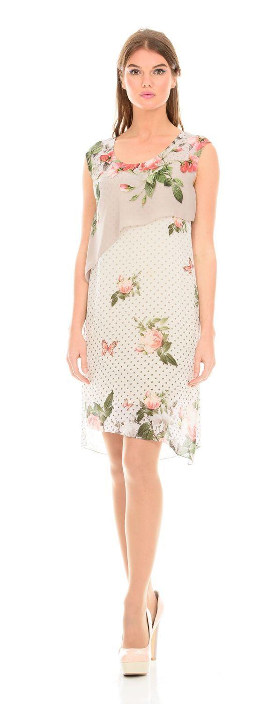 Платье З112-167 - Воздушное струящееся платье из легкой ткани. В модели комбинируют два вида ткани с одним цветочным принтом. Завораживает взгляд нежные бутоны распускающихся роз в сочетании с бабочками на спокойном пастельном фоне. Еще одна особенность модели - отлетная деталь в районе груди асимметричной длины.Вы будете великолепно и непринужденно смотреться в этом платье романтического стиля, как на летнем отдыхе, так и на праздничных мероприятиях.