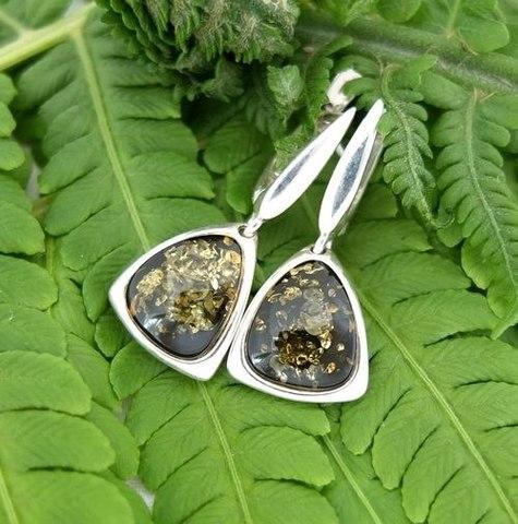 серебряные серьги с зелёным янтарём