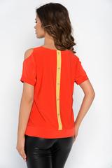 """<p>Отличное решение для любого торжества! Особую оригинальность модели придают разрезы на рукавах в виде капли. Блуза отлично сочетается с трикотажными брюками """"Катрин"""" из осенней коллекции.</p>"""