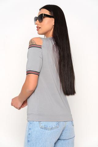 <p>Оригинальная футболка удачного кроя, отличный вариант для летних деньков.&nbsp;</p>