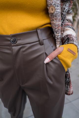 Кожаные коричневые штаны женские купить