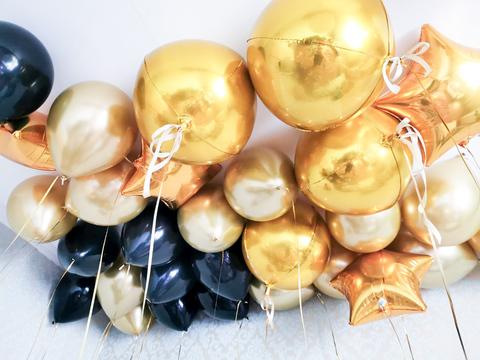 Воздушные шары под потолок мужчине