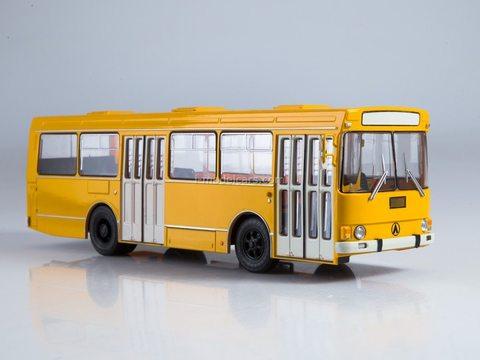 Nashi avtobusi NA015 1//43 LAZ 699R Legendary Soviet Bus Magazine Series #15