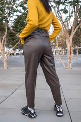 Кожаные коричневые штаны женские оптом