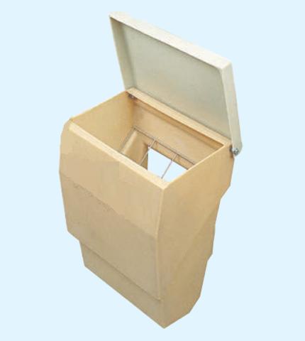 Кормушка 50 литров для домика для телят