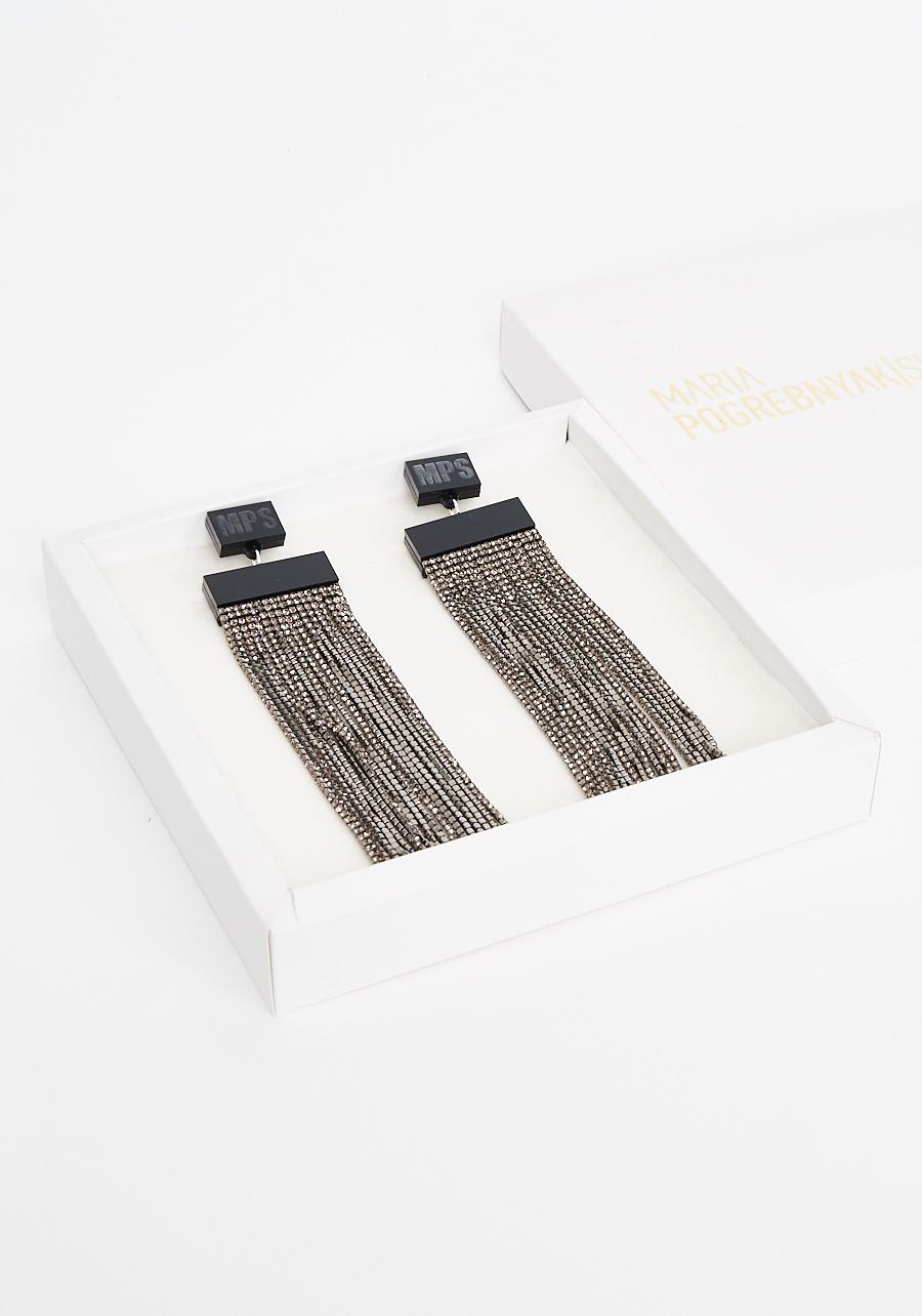 Серьги с черной эмалью и серебряными цепочками