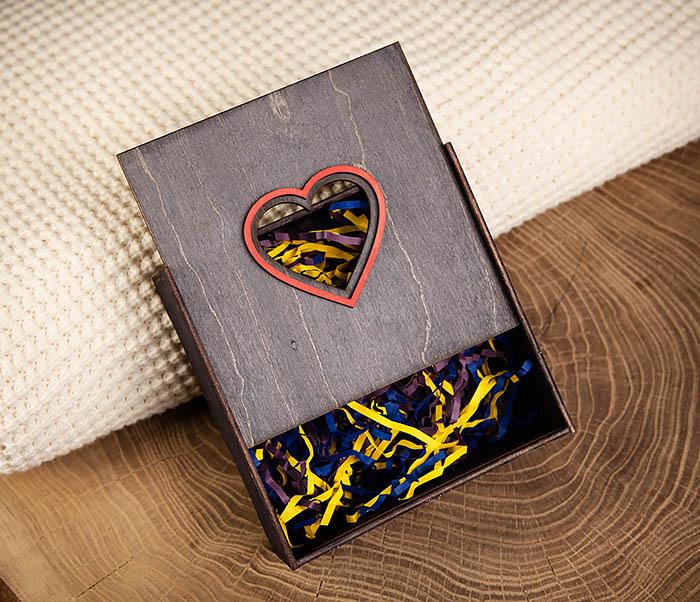 BOX209-1 Подарочная коробка из дерева с сердцем (17*17*7 см) фото 04
