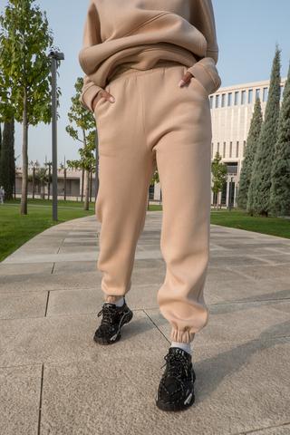 Бежевый спортивный костюм женский на флисе оптом
