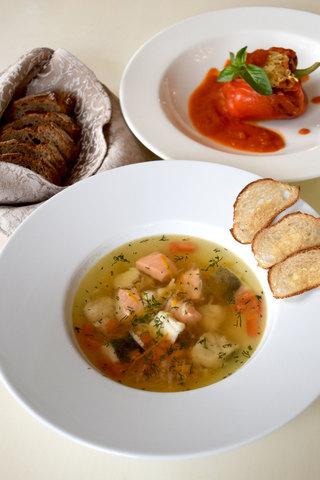 Суп із трьох видів риби (лосось, форель, судак)