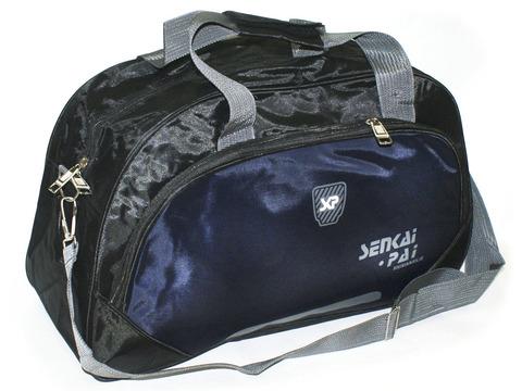 Сумка спортивная. Размер 46х28х17 см. Основной карман на молнии, дополнительный накладной карман, плечевой ремень.  8401