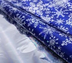 Пленка упаковочная голография «Снежинки», 100 × 70 см / 10 рул. /