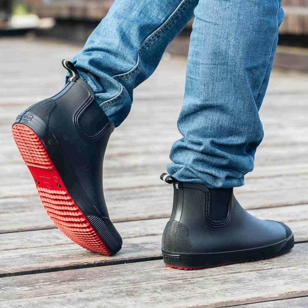 Мужские резиновые ботинки Nordman Beat черные с красной подошвой