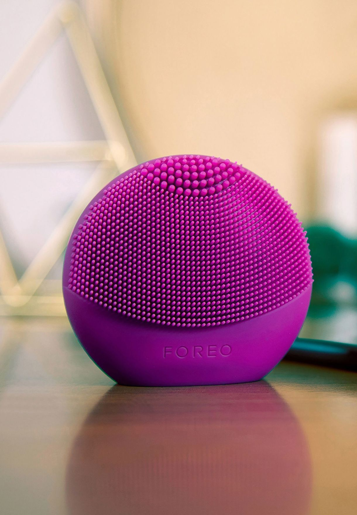 Foreo LUNA Fofo Face Brush with Skin Analysis Purple