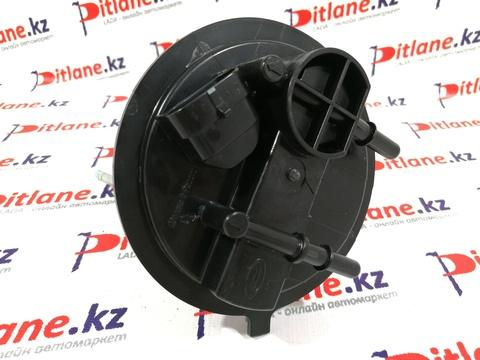Верхняя часть корпуса электрического бензонасоса для инжекторных двигателей 1,6 Лада Самара, Приора, Гранта, Калина.