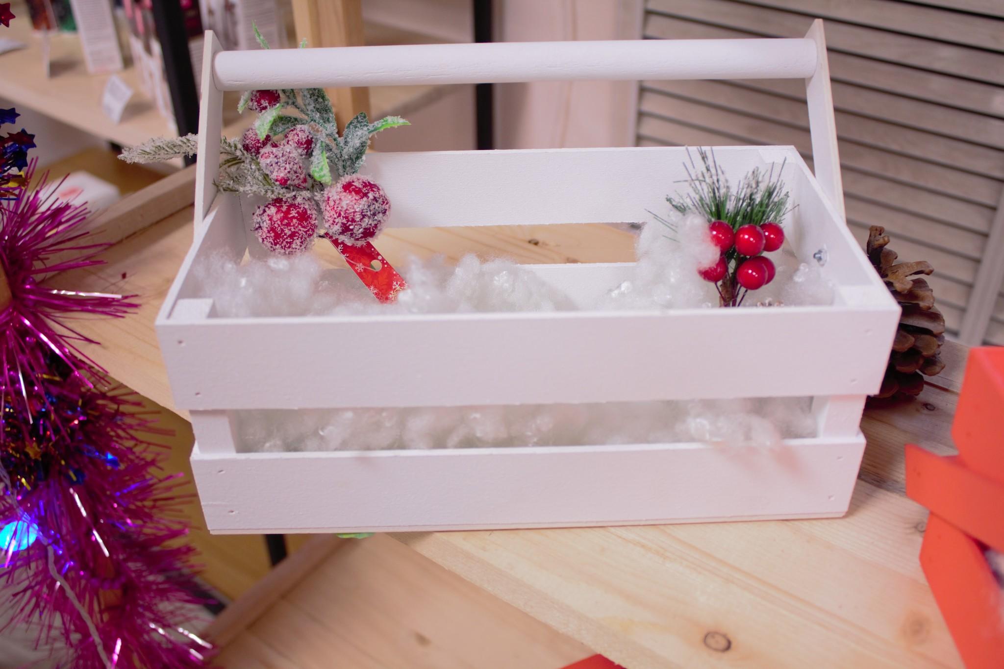 Деревянная коробка-ящик для большого подарочного набора