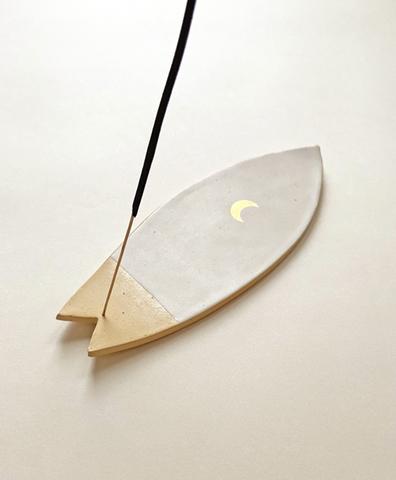 Серф подставка для аромапалочек Moon белый