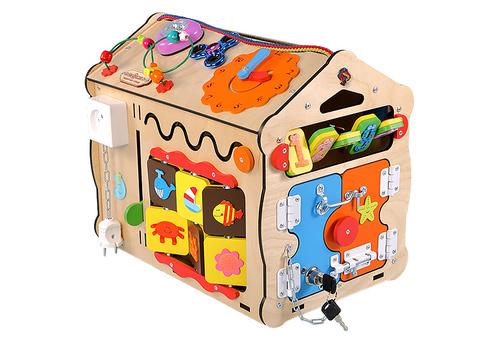 Большой Дом  радость  ребенка с доской для рисования.