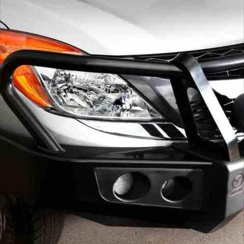 Установка переднего силового бампера Mazda BT50