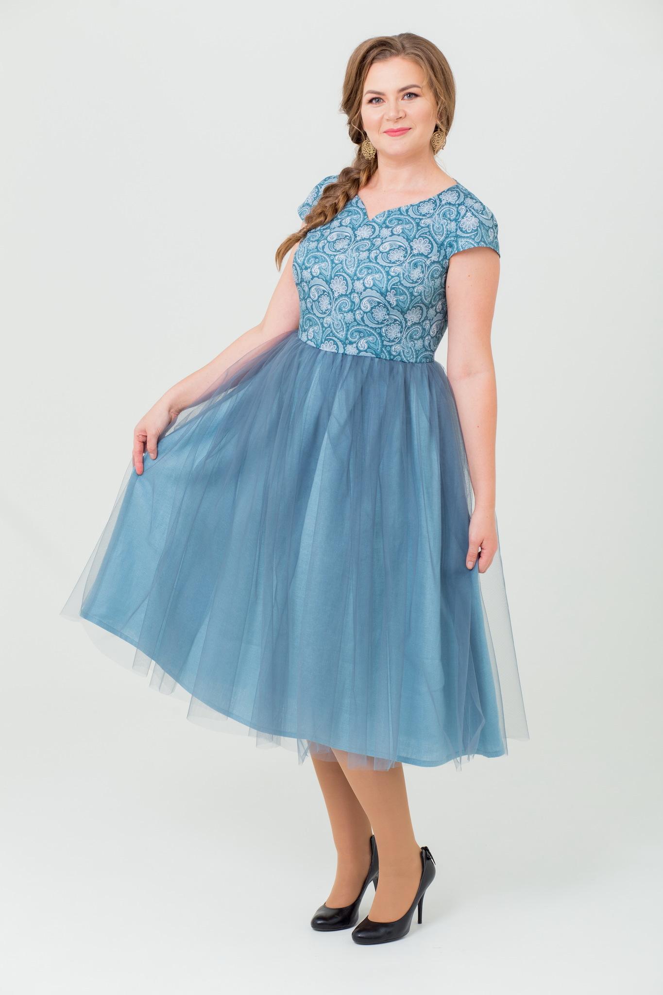 Вечернее платье в русском стиле Мерцание изумрудов