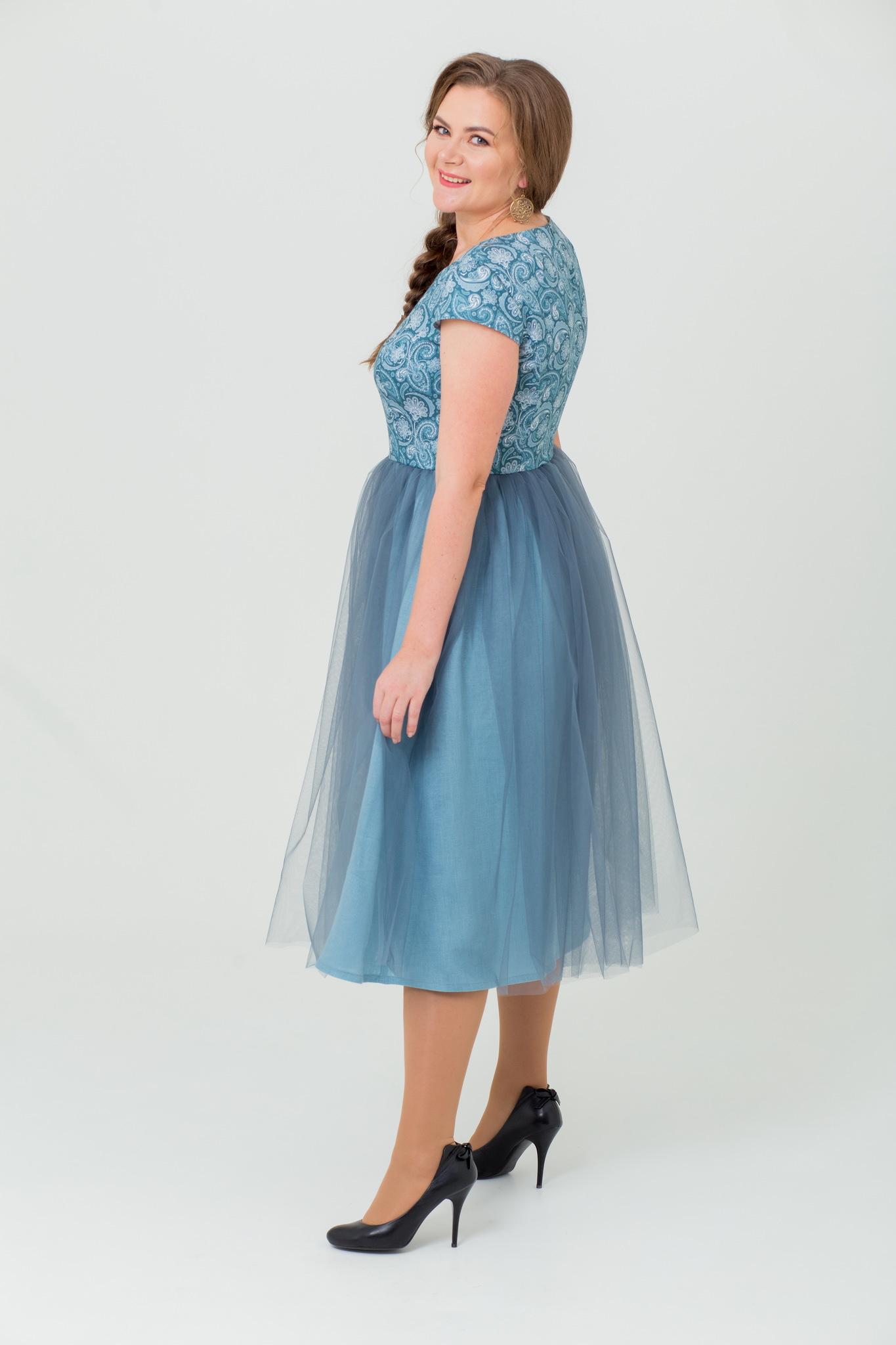 Вечернее платье от Иванки в русском стиле