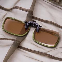 Светло-коричневые (coper)  поляризованные светофильтры. Очень легко вставляются в пазы коннекторов