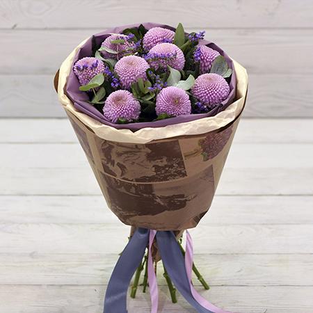 Купить букет с розовыми помпон хризантемами статицей в Перми