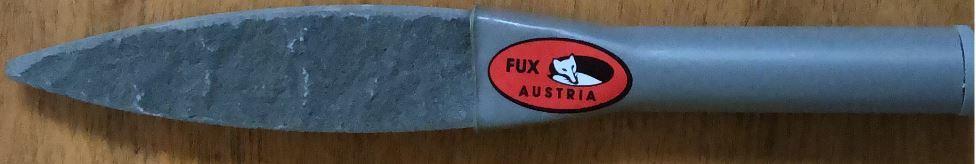 Оселок из натурального камня для заточки косы FUX