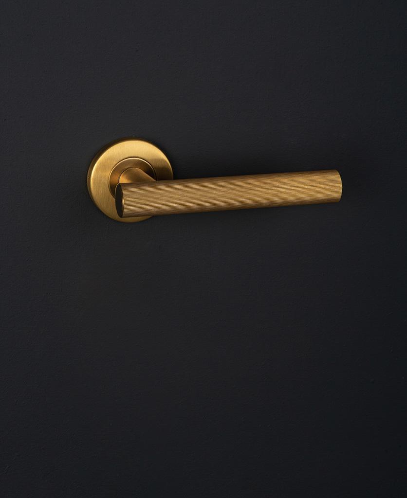 Дверные ручки Дверная ручка D41 Kramer-Door-Handle-Rich-Gold.jpg