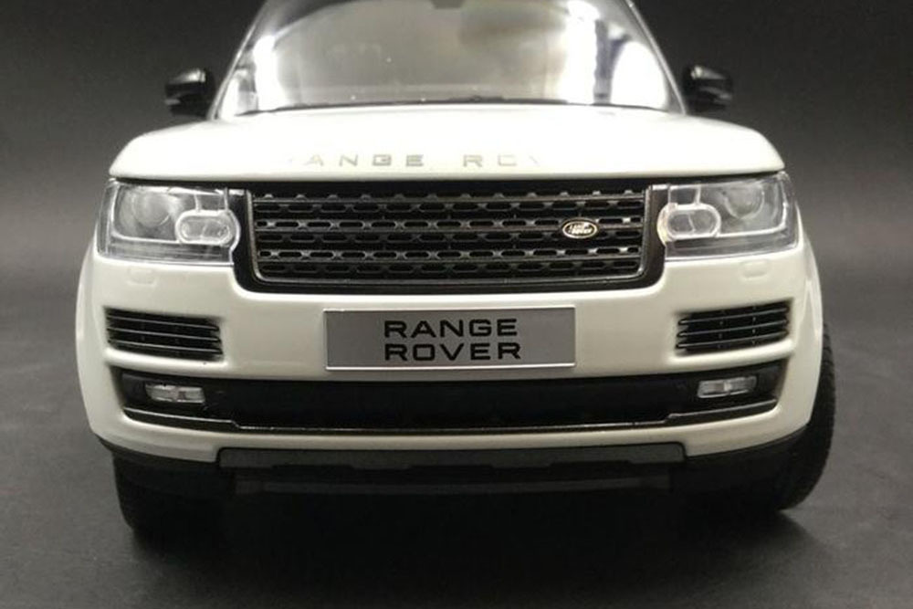 Коллекционная модель RANGE ROVER VOGUE SUPERCHARGE AUTOBIOGRAPHY 2018 WHITE