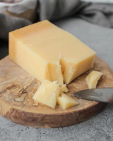 Сыр Сбринц (Sbrinz), кг