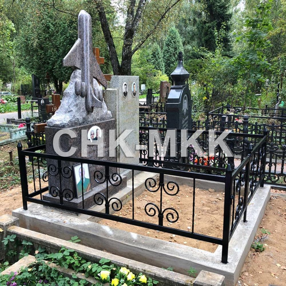 Памятник самолет из гранита на заказ (установленный момумент)