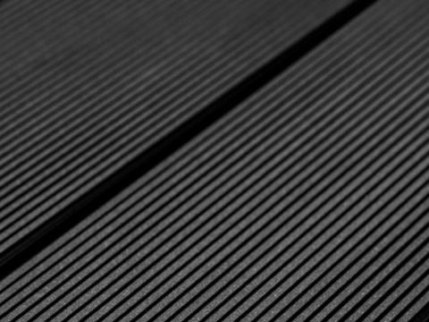 Террасная доска SW Abies (R) - радиальный распил. Цвет черный.