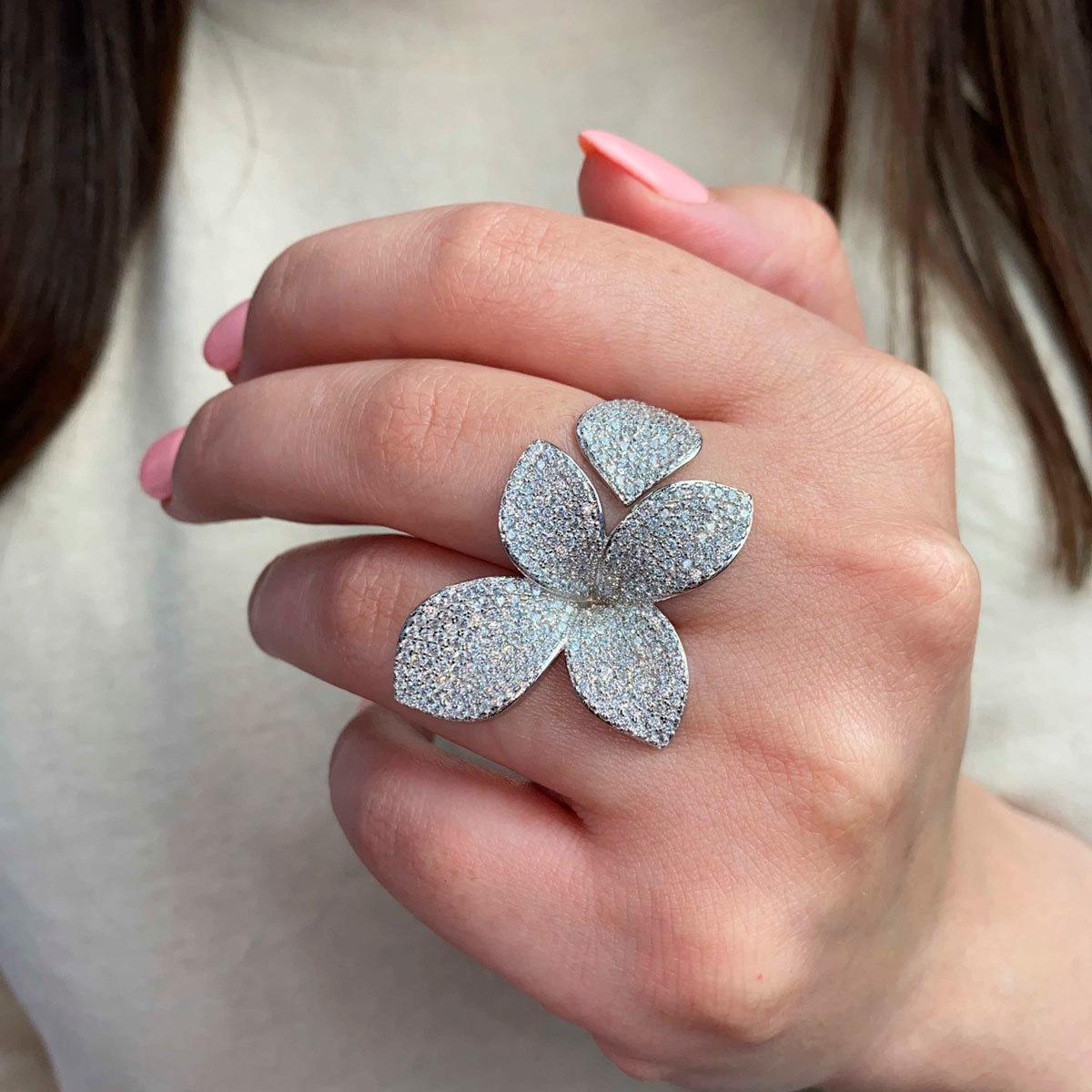 Кольцо Лепестки free size белый (серебро 925)