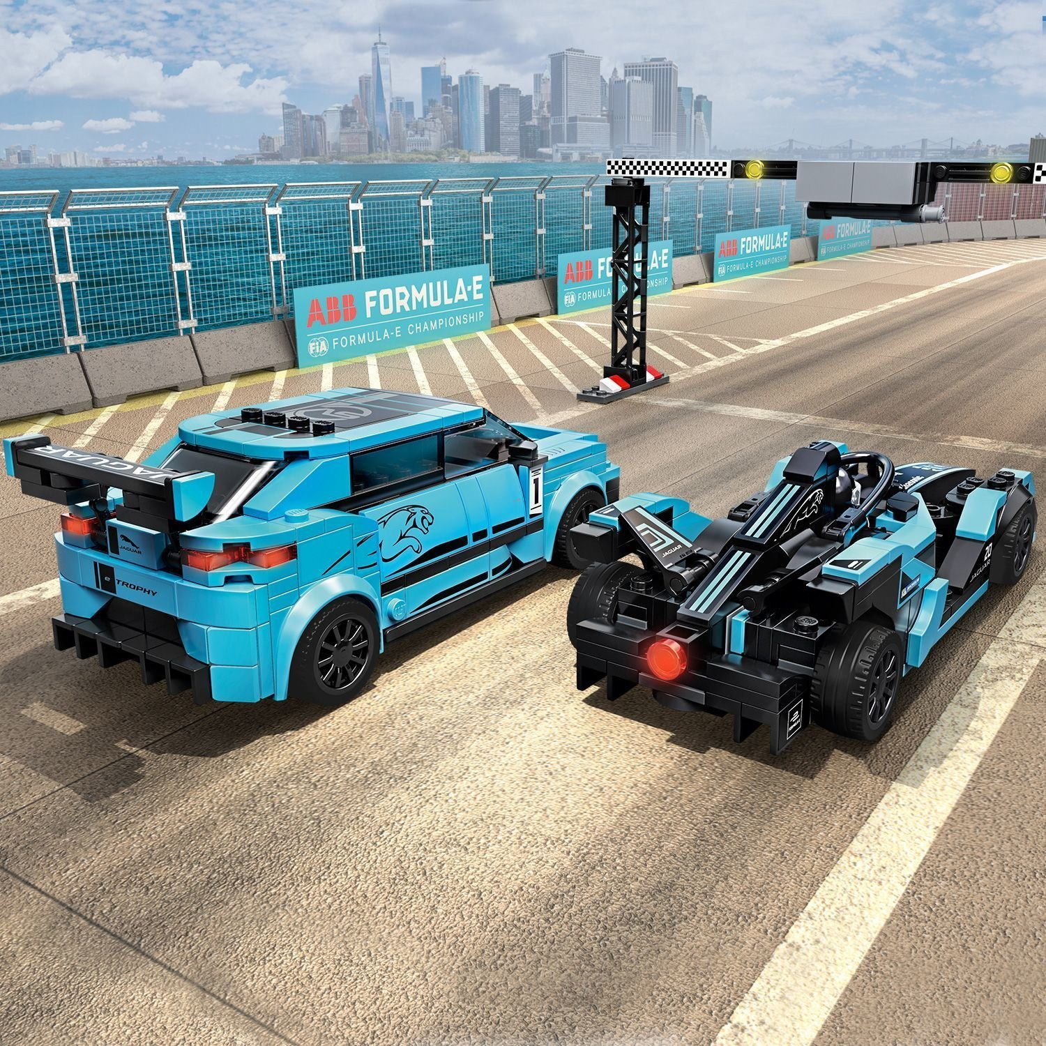 Конструктор LEGO Speed Champions 76898 Formula E Panasonic Jaguar Racing GEN2 car Jaguar I-Pace eTrophy