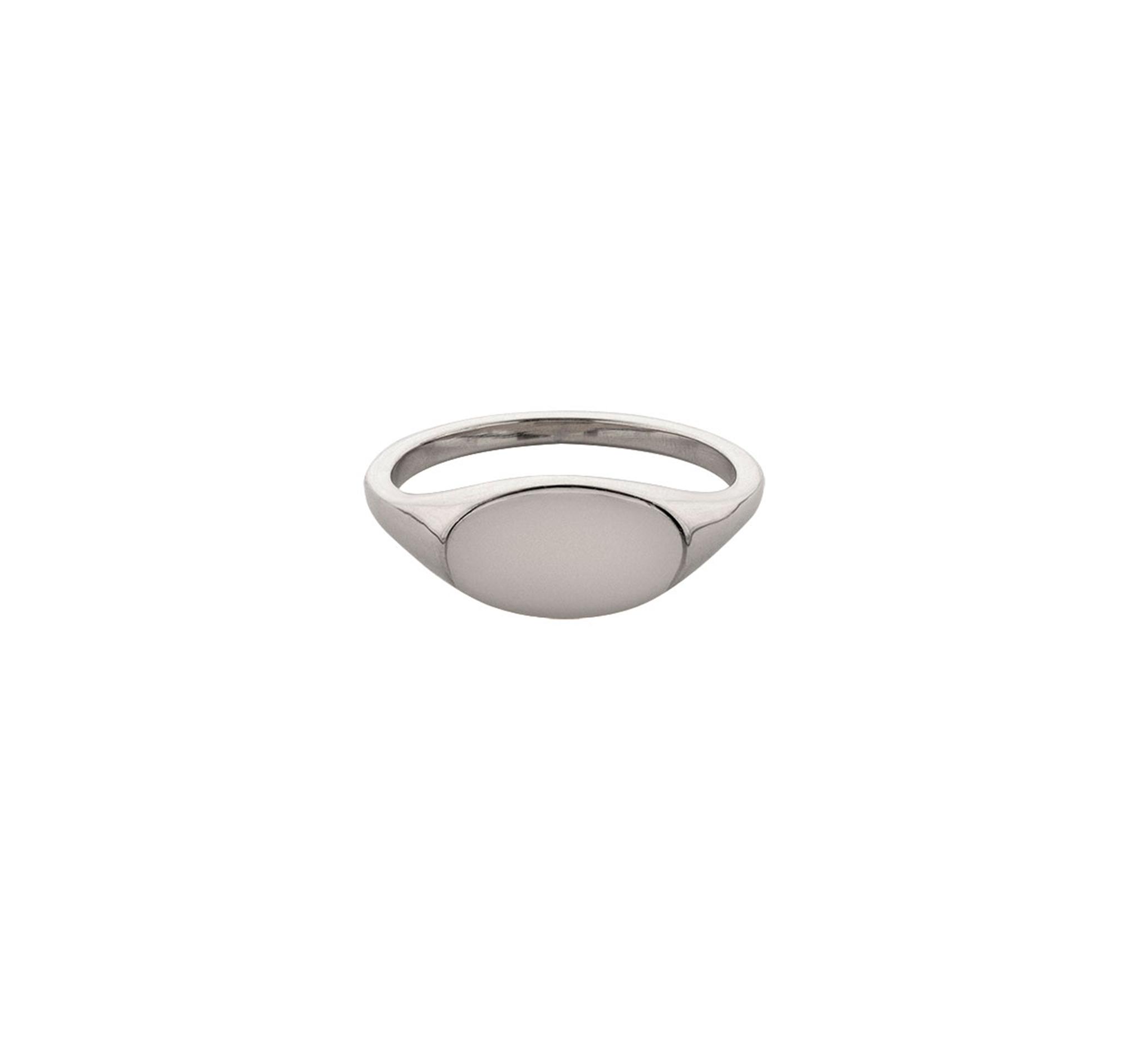 Небольшое кольцо-печатка овальной формы из серебра