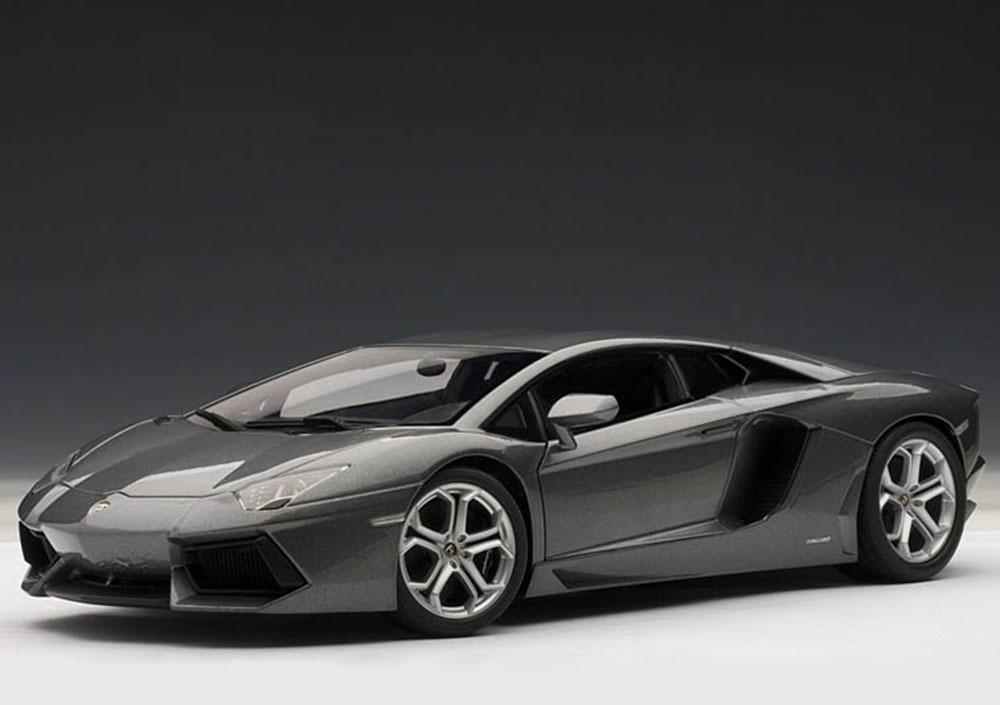 Коллекционная модель Lamborghini Aventador LP700-4 2011 Grey Metallic