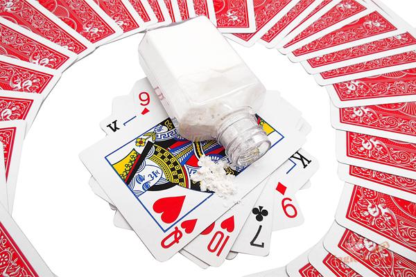 Белая пудра для игральных карт
