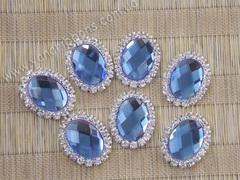 Камни овальные в стразовом обрамлении светло-синие
