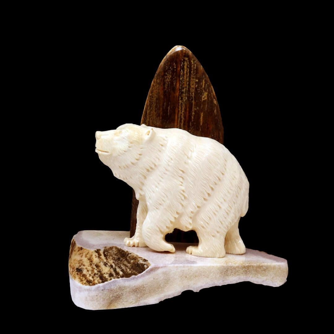 статуэтка из бивня мамонта «Медведь»