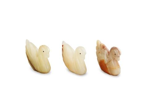 Лебедь из оникса средний (7,5х6,5х2 см). Интернет магазин чая