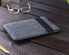 Темный войлочный чехол-конверт для iPad